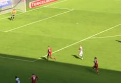 B. Mönchengladbachın Bayern Münihe evinde attığı en iyi goller