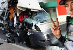 Minibüs ile TIR çarpıştı Milli motosikletçi yaralandı