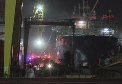 Tuzlada bir gemide yangın çıktı