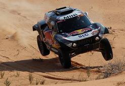 Dakar Rallisinde Stephane Peterhansel liderliğini sürdürdü