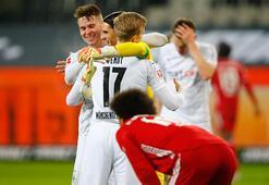 Bayern Münih yıkıldı Borussia Mönchengladbachdan müthiş dönüş