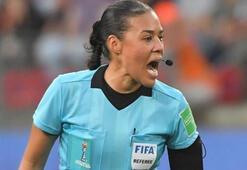 UEFA'nın ardından FIFA: İlk kadın hakem Katar'da