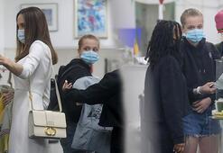 Angelina Jolie, kızları Zahara ve Shiloh ile alışverişte