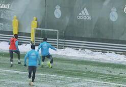 Real Madrid şiddetli kar fırtınası altında antrenman yaptı