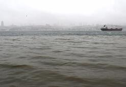 İstanbulda sağanak sonrası denizin rengi değişti