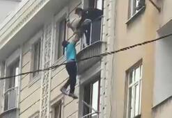 Son dakika haberi | İstanbulda şoke eden anlar Pencereden sarkıp intihar etmek istedi