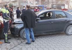 Dur ihtarına uymayan ehliyetsiz sürücü, kaza yapınca yakalandı