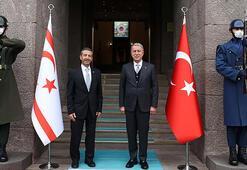 Bakan Akar, KKTC Dışişleri Bakanı Ertuğruloğlu ile görüştü