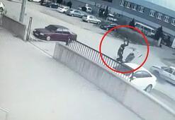 Feci an Otomobile çarpan motosikletteki 2 kişi 20 metre sürüklendi