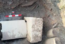 Mezar kaidesi ve taşı bulundu