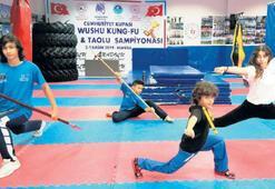 Gençler Yunusemre'yle spora devam ediyor