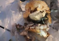 Pes dedirten olay Tavuk dönerin arasına gizlenmiş olarak bulundu