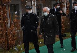 Bakan Soylu karda yürüyüş fotoğraflarını paylaştı