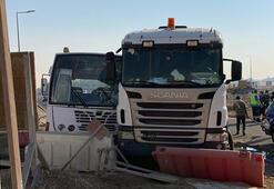 Dubaide otobüs ile kamyon çarpıştı: 27 yaralı