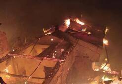Trabzonda yangın 7 ev kül oldu
