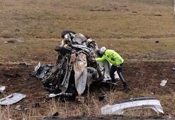 Otomobil kafa kafaya çarpıştı: 1 ölü, 2 yaralı