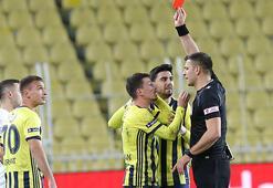 Son dakika - Fenerbahçede Mert Hakan kırmızı kart gördü