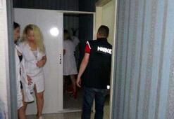Son dakika: İzmirde masaj salonlarına yönelik fuhuş operasyonu Gözaltılar var