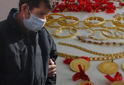 12 yaşındaki küçük kızı kandırıp, evden 300 bin liralık altını çaldı
