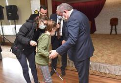 TBMM Başkanı Şentop görme engelli Busem Belinayla bir araya geldi
