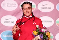 Kadın milli güreşçilerden Fransada 3 madalya
