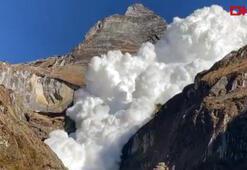 Himalaya dağlarındaki çığ felaketi kamerada