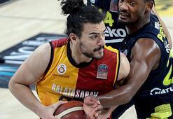 Galatasarayda Assem Marei 4-6 hafta sahalardan uzak kalacak