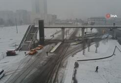 İstanbulda E-5 Karayolu beyaza büründü