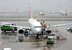 Samsun-İstanbul yolcu uçağında panik Acil iniş yaptı
