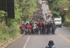 Binlerce göçmen Meksikaya yürüyor