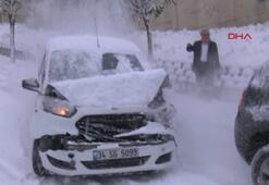Karlı yollardaki kazalar kameralara böyle yansıdı