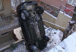 Üsküdarda apartmanın bahçesine uçan araç dik durdu