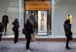 Yunanistanda koronavirüs kısıtlamaları gevşetildi, mağazalar yeniden açıldı