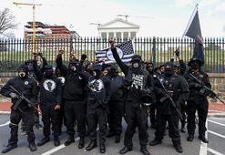 Virginiada karşıt görüşlü silahlı grupların gösterileri olaysız geçti