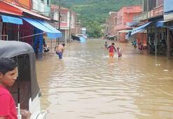 Şiddetli yağış nedeniyle nehir taştı Sel...