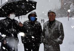 Bitliste hayat durdu 290 köy yolu ulaşıma kapandı