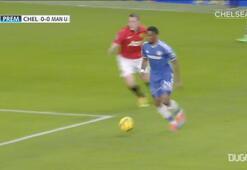 Samuel Etoonun Manchester United karşısında yaptığı hat-trick