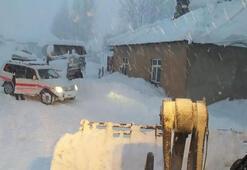 Yolu kardan kapalı evde beyin kanaması geçiren kadın için seferberlik