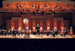 Milli Reasürans Oda  Orkestrası sahnede