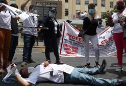 Peruda doktorlar açlık grevine başladı