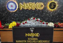 Atatürk Havalimanında gül kolilerine konulmuş 24 kilo kokain ele geçirildi