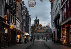 Hollanda kontrollü sürü bağışıklığından Avrupadaki en sert sokağa çıkma yasağına döndü