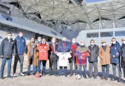 Altınordu'dan Alsancak Stadı'na çıkarma