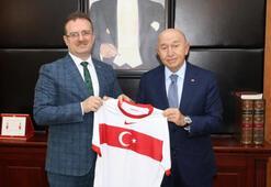 TFF Başkanı Nihat Özdemir, Cumhuriyet Başsavcısı Şaban Yılmazı  ziyaret etti