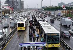 Tarih oluyor Metrobüslerde artık...