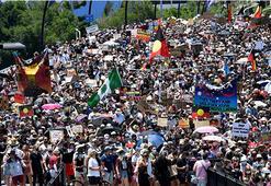 Avustralya Günü kutlamalarında yerlilerden protesto