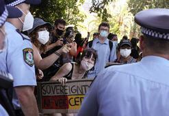 Aborjinler Avustralya Gününde sokağa döküldü