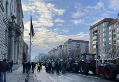 Berlinde çiftçilerden traktörlü protesto