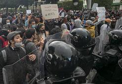 Tunusta gösterilerde gözaltına alınanların serbest bırakılması talebiyle eylem