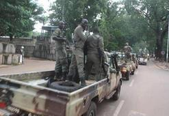 Malide darbeden 5 ay sonra askeri cunta feshedildi